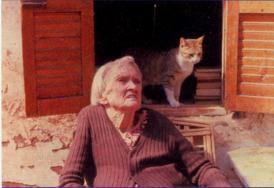 Omm Sety with her cat Bastet